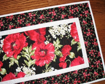 Floral Table Runner, Poppies, handmade, quilted, Wall Hanging