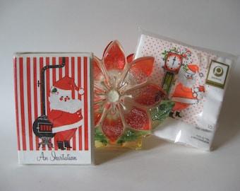 Excellent festive vintage party melange mid century 60s Christmas invites napkins pointsettia resin holder NIP
