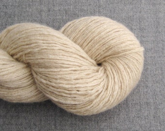 DK or Light Worsted Weight Cashmere Recycled Yarn, Oatmeal, Lot 010716