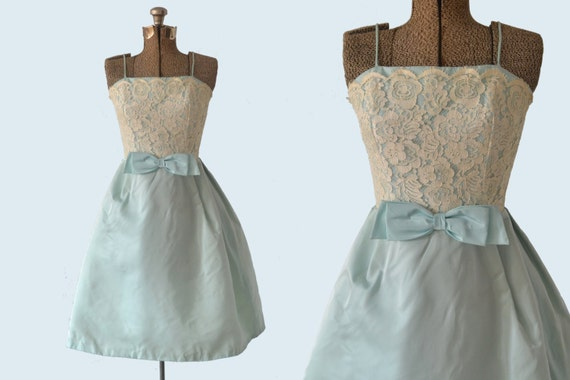 1950s Lace Bodice Powder Blue Party Dress size XS