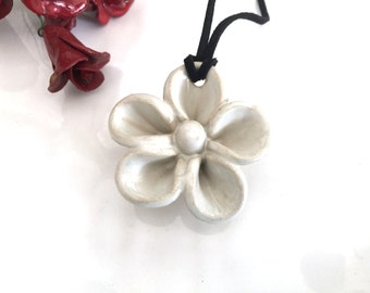 White Flower necklace, Ceramic necklace for women, Ceramic pendant, Ceramic necklace, Ceramic jewellery, Gift for her