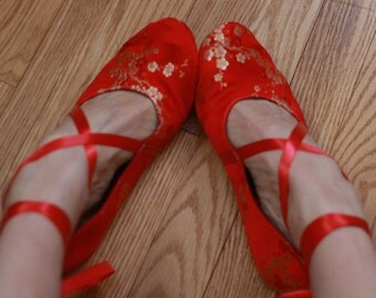 US 8 / Euro 38 / UK 6.5, Red Silk Slippers, #583