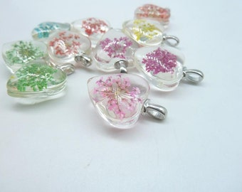 4pcs Mixed  20mm Heart Handmade Dried Flowers Glass Cabochon Pendant Charms With White K bail