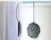 20 off. Mod black dahlia flower earrings