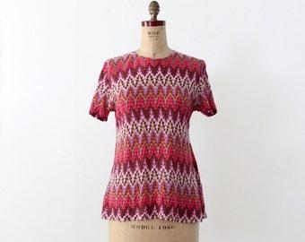FREE SHIP  1970s chevron blouse, short sleeve knit top, vintage pink zig zag shirt