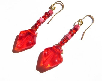 Floridalee red glass drop bead and gold wire earring