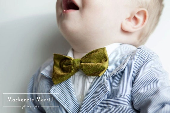Moss Green Silk Bow Tie for men or boys - Groomsmen and wedding tie - clip on, pre-tied with strap or self tying
