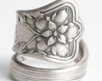 Columbine Ring, Columbine Flower, Sterling Silver Spoon Ring, Flower Spoon Ring, Mono E, Antique Gorham Atlanta, Adjustable Ring Size (6063)