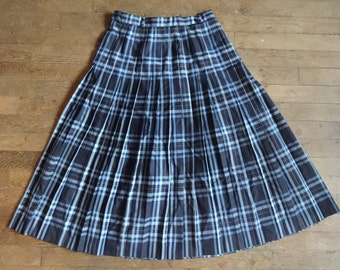 Vintage English Acrylic Viyella blue classic tartan long skirt kilt size UK 14 circa 1980's / English Shop