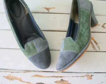 1980s BLUE and GREEN Leather Heels.....size 8.5 women.....blue leather. suede. mod. shoes. heels. pumps. fancy. 1980s. glam. two toned heels