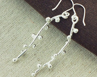 1 pair of Karen Hill Tribe Silver Flower Bud Earrings 7x48 mm. :ka4174