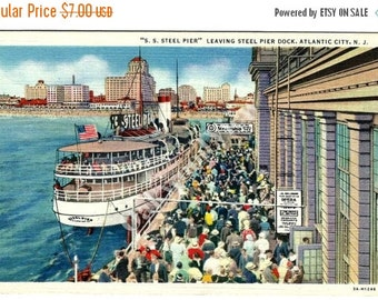 ON SALE Atlantic City SS Steel Pier Ship Linen Postcard, New Jersey Dock, Vintage Color Ephemera c1940s, Free Shipping