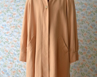 1960s Woolen Coat Womens Vintage Fashion Pastel Coat Size Medium