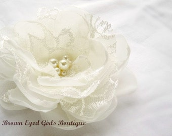 Ivory Lace Bridal Flower, Ivory Lace Wedding Accessory, Ivory Bridal Fascinator, Ivory Hair Flower