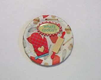 Hand crafted Mason/Ball/Kerr canning lid refrigerator fridge magnet *What's Cookin'?*