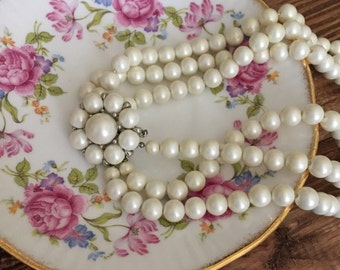 Vintage Pearl Necklace Wedding & Event Jewelry