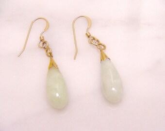 Vintage 14k Yellow Gold Creamy Green Jadeite Jade Dangle Earrings