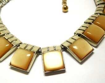 Vintage Caramel Moonglow Necklace 50s 60s Art Deco Modern fashion Choker