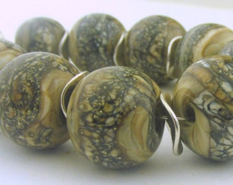 Marbled Silvered Ivory Lampwork Round Beads Collection (10) - LEteam