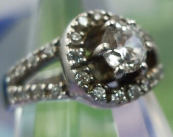 Sz 7 Ring : Vintage Sterling Silver Thailand ATI Sparkling Eye Catching Cubic Zirconia CZ (9902)