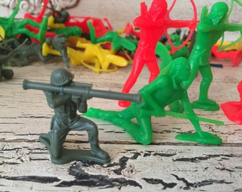 Vintage Cowboys and Indians and Army Men Soldiers - Over 50 pieces - Tim Mee, WW 2