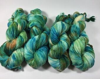 Worsted Single, Hand Dyed Yarn, The Dunes , Merino, worsted weight, single ply, singles, merino wool, variegated yarn