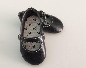 Mary Jane Shoes to Minifee Moe