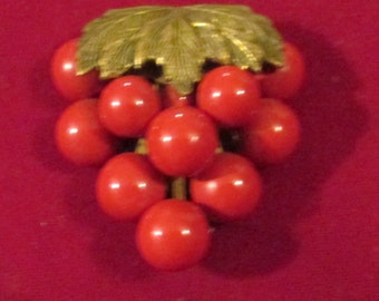 Vintage Red Grapes Dress Clip / Art Deco Red Brooch / 30s Grape jewelry