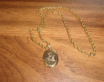 vintage necklace goldtone engraved flower