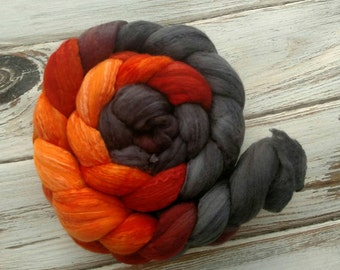 "4oz ""Wildfire"" 50/50 18.5m Superfine Merino Wool Mulberry Silk Spinning Fiber Combed Top Roving Charcoal Orange"