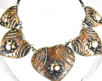 1930 Art & Craft Period Mixed Metal Copper, Brass and Silver Heart Dome Bib Necklace