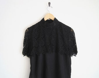 Vintage 1980s Lace Blouse. Black Blouce with Lace Overlay. Romantic Twee Blouse. Vintage 80s Floral Lace Shirt. Romantic Soft Grunge Top.