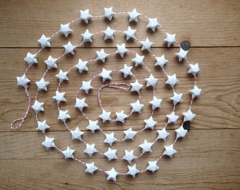 Christmas Garland, White Origami Stars on Red and White Bakers Twine, 6'.