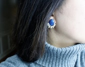 Lapis lazuli & freshwater pearl wire wrapped cluster studs earrings