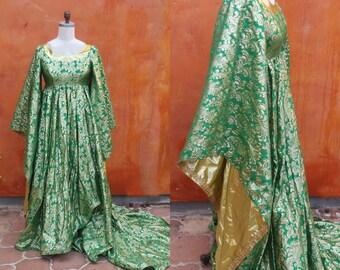 Medieval Renaissance Dress gown LARP SCA Royal Court Queen Princess. GOT Game of Thrones Princess Bride. Green metallic gold damask camelot