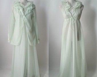 Halston Vintage Peignoir, Green Nightgown, Chiffon Green Robe, 1970s Nylon Nightgown, 1970s Women's Robe, Vintage Lingerie, Vintage 70s Robe