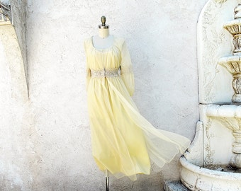 Vintage Peignoir Set, Romantic 60s Pale Yellow Peignoir, Sheer Yellow Robe and Nightgown, Feminine 1960 Lingerie