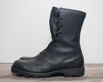 9.5 R | Men's Combat Boots Standard Issue 1980's Military Lace Up Boot