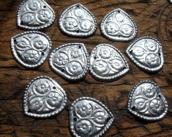 10  x Turkoman style shiny metal heart discs with two holes