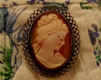Vintage Sterling silver cameo brroch