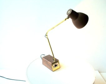 Mod vintage vintage , folded, adjustable , small desk lamp. Made by Diax in USA.