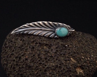 Sterling silver leaf knuckle ring.