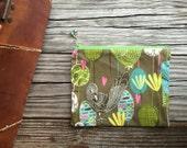 Handmade cosmetic pouch / Organizing zipper pouch / make-up bag/ Handmade beaded zipper pull