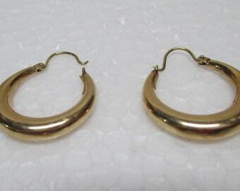Vintage 70s 14 Karat Yellow Gold Hoop  Earrings