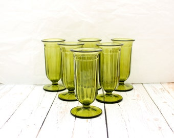 Vintage Green Glasses, Vintage Green Aperitif Glasses, Green Footed Glasses, Vintage Green Barware,