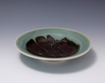 Wheel-thrown Porcelain Plate with Celadon and Tenmoku Glazes by Hsinchuen Lin