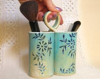 Utensil Holder, Make Up Brush Holder, Craft Tool Organizer, Drawing Pencil Caddy, Office Desk Organizer, Turquoise, Cream, Toothbrush Holder