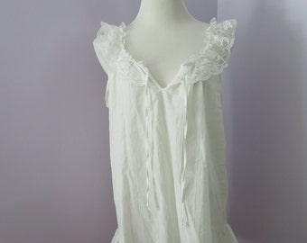 Vintage 1980's COTTON Made in Jamaica Ruffled Wedding Lingerie Nightie Cover-up with Lace Detail, Size M