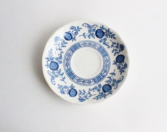 Set of 4 Vintage blue white blue onion plates/bowls/chinoiserie/Royal Art Pottery - Blue Onion - Staffordshire England