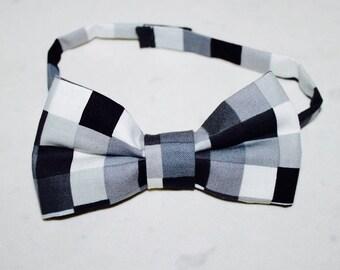 Bow tie black gray white cubes